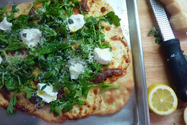 arugula white pizza